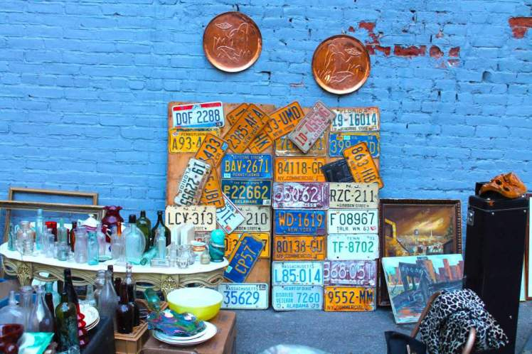 nyc-flea-market-blue-wall1
